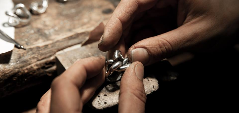 Genie's hands: Guided tour of artisan shops in Santo Spirito
